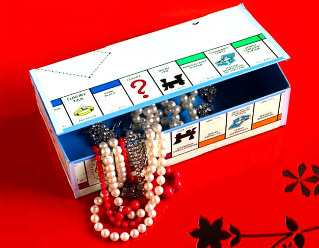 Juego de mesa convertido en caja de regalos