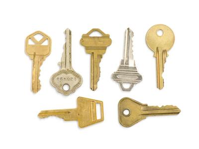 Siete llaves, algunas doradas y otras color aluminio.