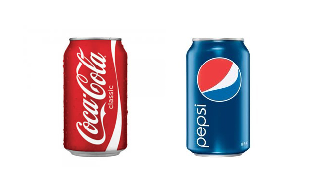 Dos latitas de Coca Cola y Pepsi