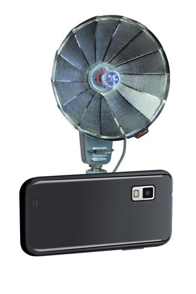 Difusor de Flash antiguo anexado a un smartphone