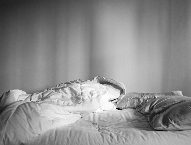 Sábanas y cubierta de cama en blanco y negro