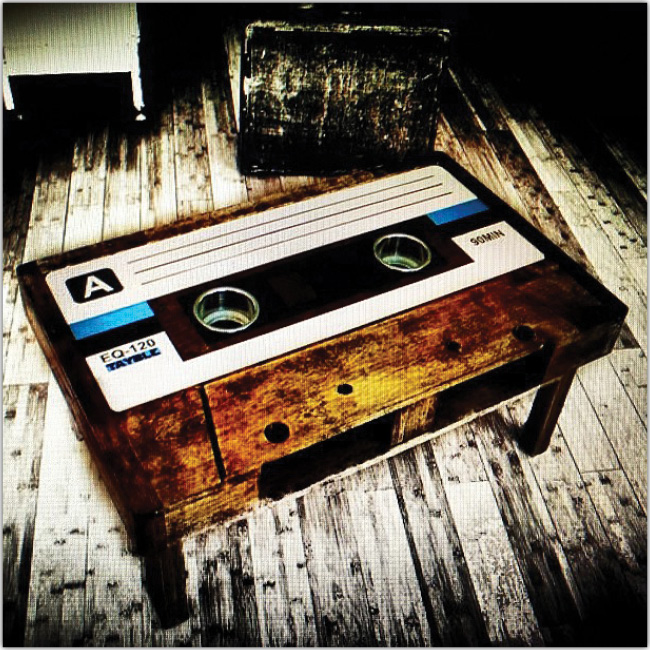 Mesa en forma de cassette