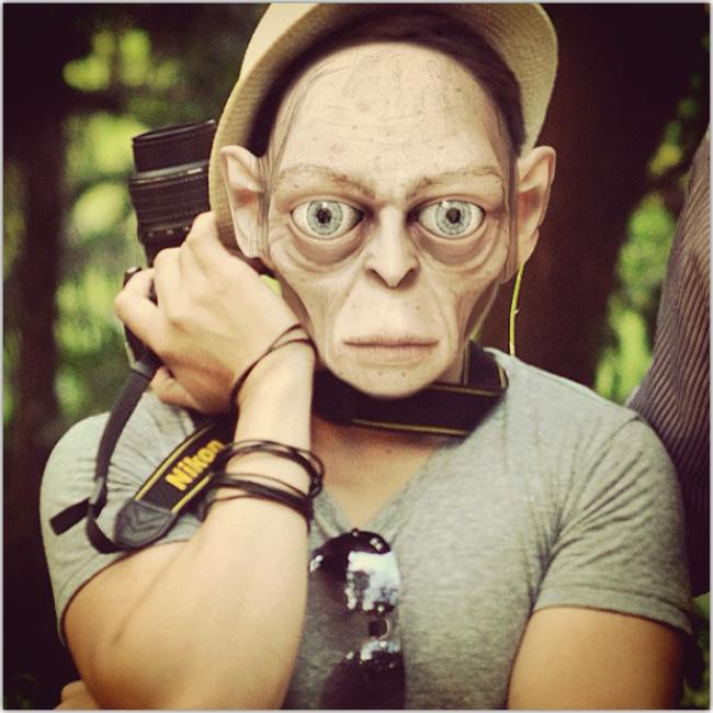 Fotógrafo con máscara de Gollum
