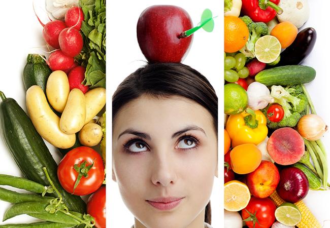 Collage de tres imágenes. Dos de ensaldas y frutas y la de al medio es una mujer con una manzana sobre su cabeza.