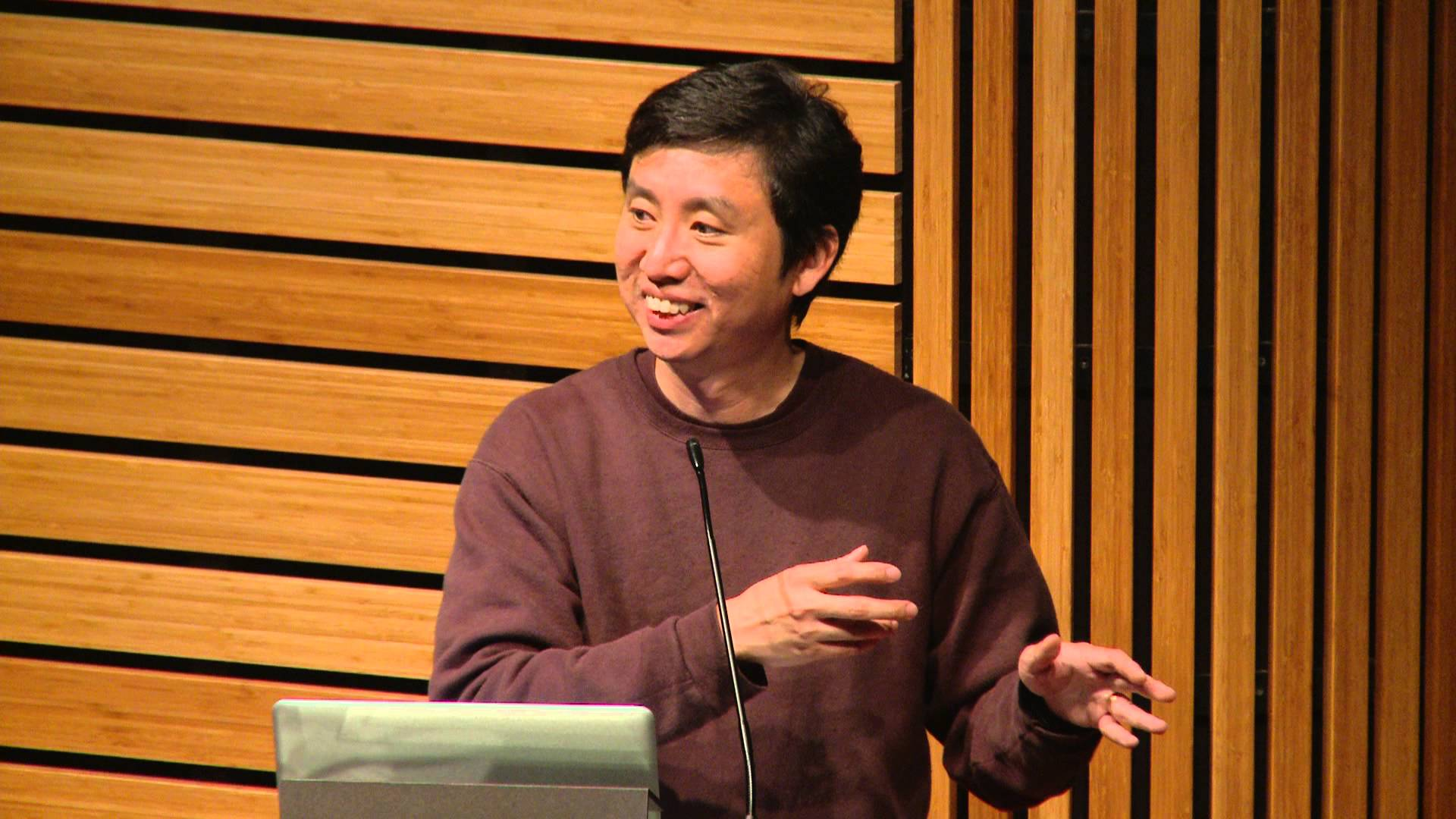 Chade-Meng Tan dictando una conferencia