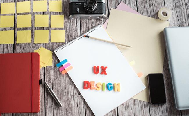 UX Design Letras sobre un cuaderno