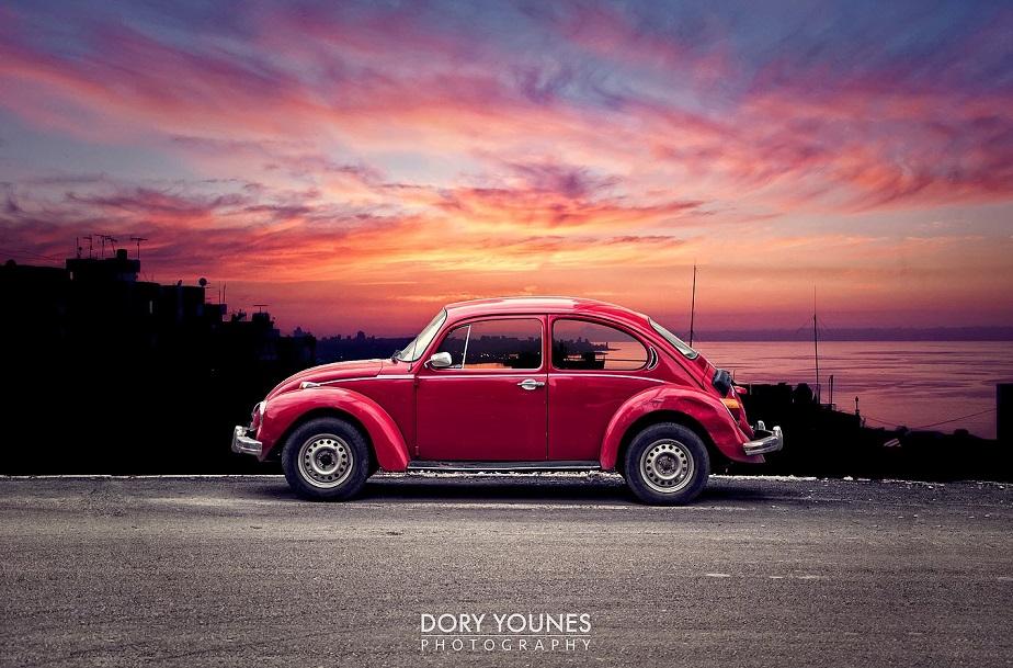 Auto rosa al atardecer del fotógrafo Wix Dory Younes-1